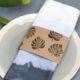 Batikservietten mit Pflanzenbanderole