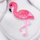 Upcycling: Schuhe mit Flamingo Patches und Pompoms selber machen