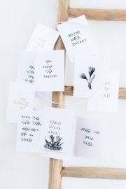 Poesie zum Aufhängen: DIY Papier Mobile