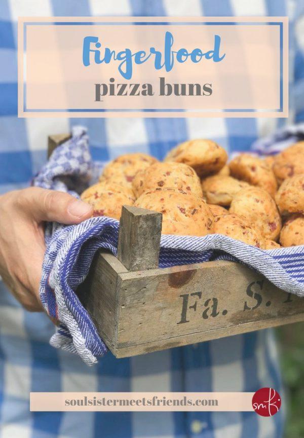 Herzhafte Pizza-Brötchen mit Röstzwiebeln
