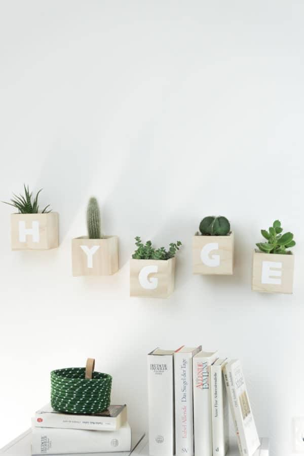 Hygge Buchstaben Pflanztöpfe