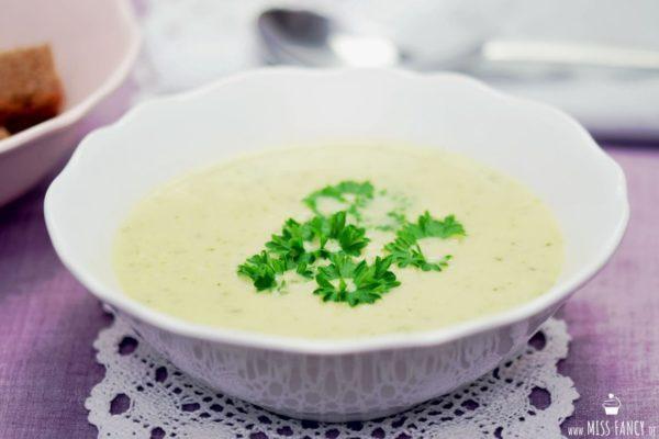 Zucchinicremesuppe einfach kochen
