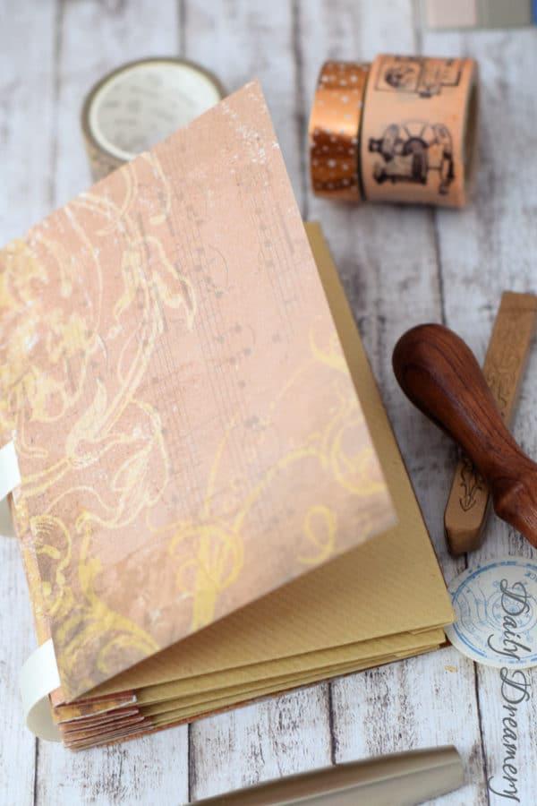Scrapbooking-Idee – Erinnerungsbuch aus Briefumschlägen