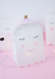 Süße Geister aus Papiertüten falten