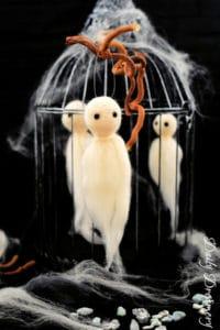 schaurig süße Filz-Geister – witzige Halloween-Deko zum Nachmachen