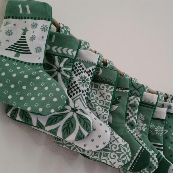 Adventskalender Socken Handmade Kultur
