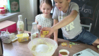 Käsekuchen / Quark Kuchen Rezept – mit Kindern backen / inkl. Video
