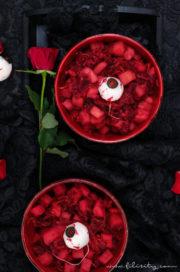 Halloween Vorspeise: Roter Kartoffelsalat mit Radieschen-Augäpfeln