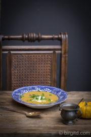 Kürbissuppe mit Kokosnussmilch und Schafskäse [Birgit D]