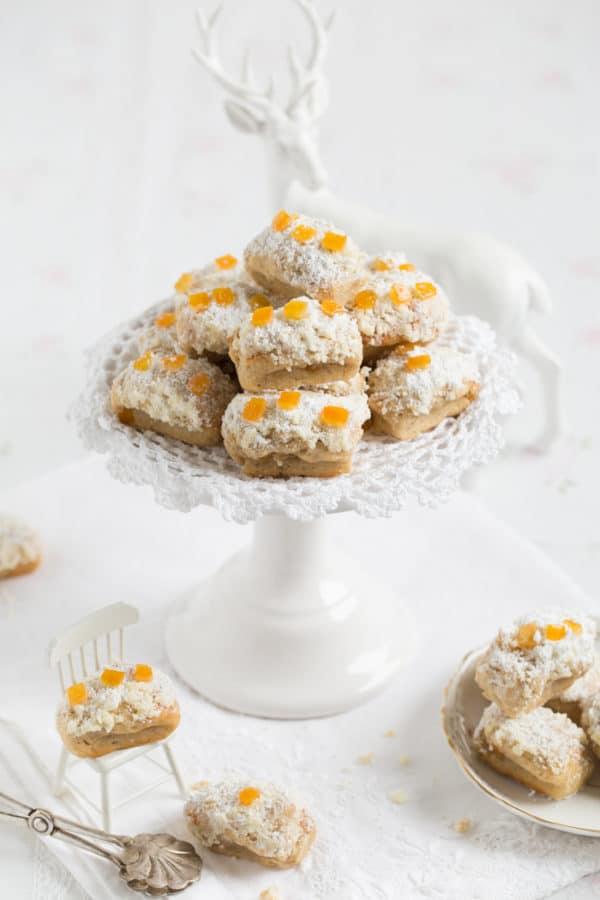 """""""Mini Christstollen in köstlicher warmer Butter und Puderzucker gewälzt!"""""""