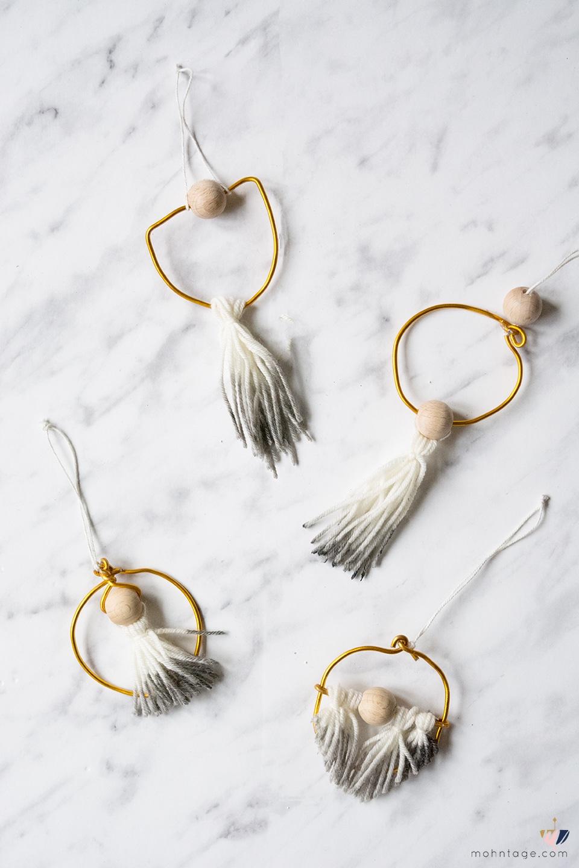 gold ring christbaumschmuck diy mini holiday wreath mit video handmade kultur. Black Bedroom Furniture Sets. Home Design Ideas