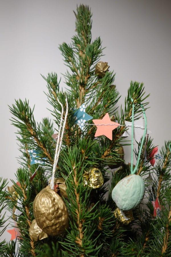 Weihnachts-Walnussschalen