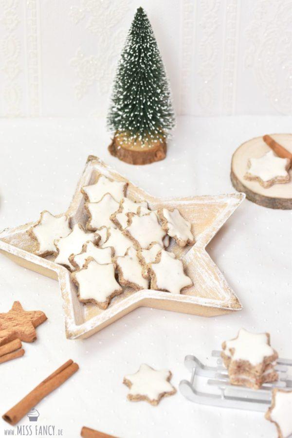 Klassische Zimtsterne zu Weihnachten