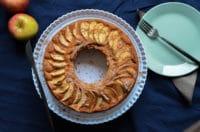 Super leckerer Kuchen mit Zimt, Apfel und Haselnuss-Baiser