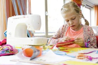 Hose, Rock & Rose... Upcycling-, Näh- und Design-Werkstatt (Teens 11 - 15 Jahre) / 7-Tage-Ferienprogramm / Jugendherberge Wiehl