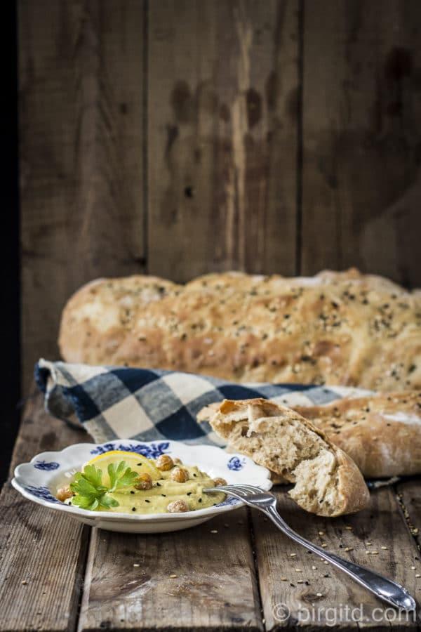 Fladenbrot mit Weizen-Ruchmehl & Kürbis-Hummus [Birgit D]