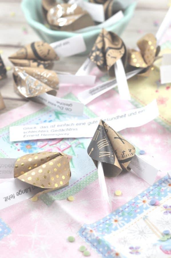 Glückskekse aus Papier