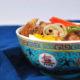 Ramen Nudeln Suppe mit Pulled Pork und Gemüse