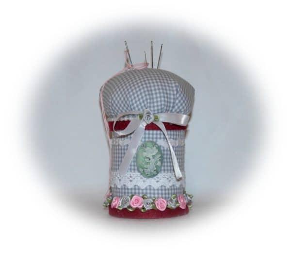 Upscycling DIY : Nadelkissen aus einer alten Spule basteln und nähen