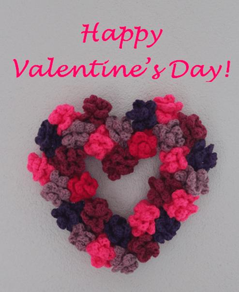 Valentinstags-Herz aus gehäkelten Rosen