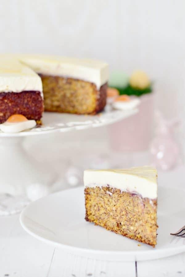 Rüblitorte mit feiner Eierlikör-Schmand-Creme zu Ostern