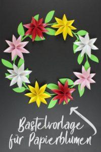 Blumenschmuck auf Papierblumen basteln [Bastelvorlage & Plotterfreebie]