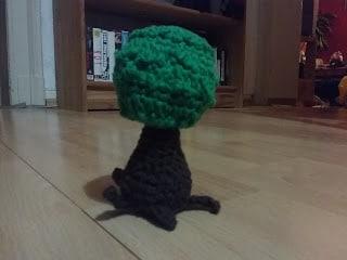 Ein gehäkelter Baum