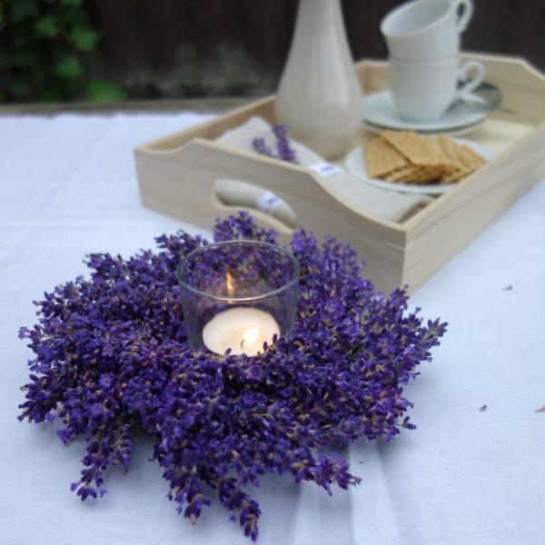 diy lavendelkranz selber binden handmade kultur. Black Bedroom Furniture Sets. Home Design Ideas