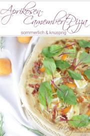 Sommerliche Aprikosen-Camembert-Pizza