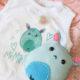 DIY-Geschenk zur Geburt: Witziges Monsterchen für die ganze Familie