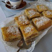 Apfelkuchen vom Blech mit Mürbeteig - Rezept
