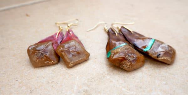 Coole Ohrringe basteln aus Tannenzapfen Plättchen