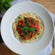 Nudeln mit Wurst und Tomatensosse oder Spaghetti alla Bolognese :-)