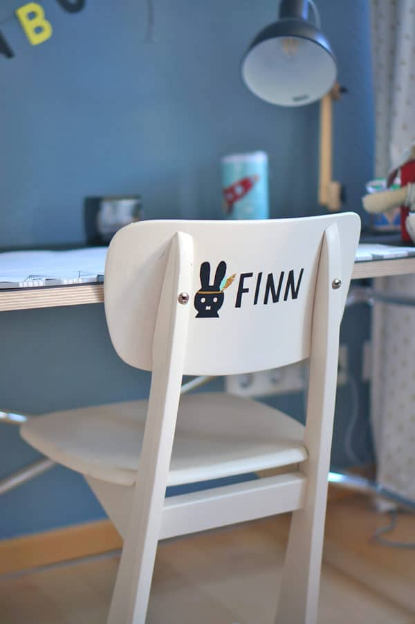 Schreibtischstuhl bemalen und beplottern