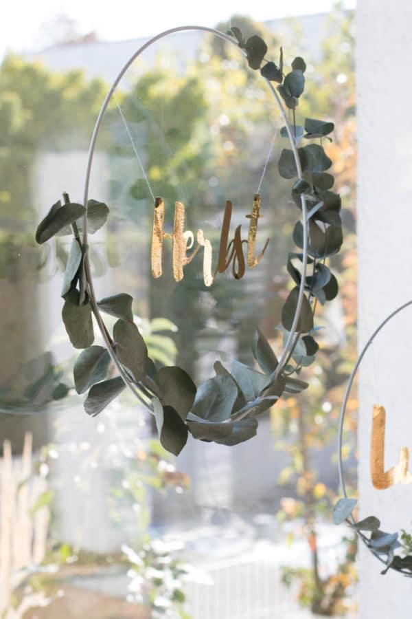 DIY Metallring mit Schriftzug und Eukalpytus