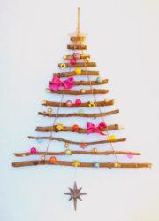 Wiederverwendbarer Weihnachtsbaum aus Ästen