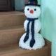Schneemann basteln aus Wattepads