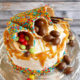 Einfache, kleine Geburtstagstorte mit Waldbeerecreme