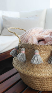 Seegraskorb DIY mit Tassels und Pompoms