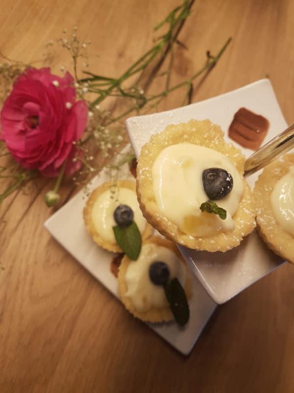 Fruchtige Ricotta-Lemoncurd-Törtchen