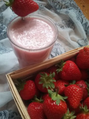 Coconut Strawberry Kiss (vegan)