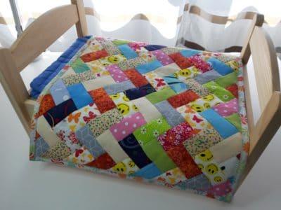 Patchworkdecke 45x55 cm, Tagesdecke für Puppenbett, Puppenbettwäsche, herrigbone quilt for dolls
