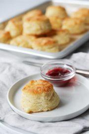 Fluffige Buttermilch Biskuits