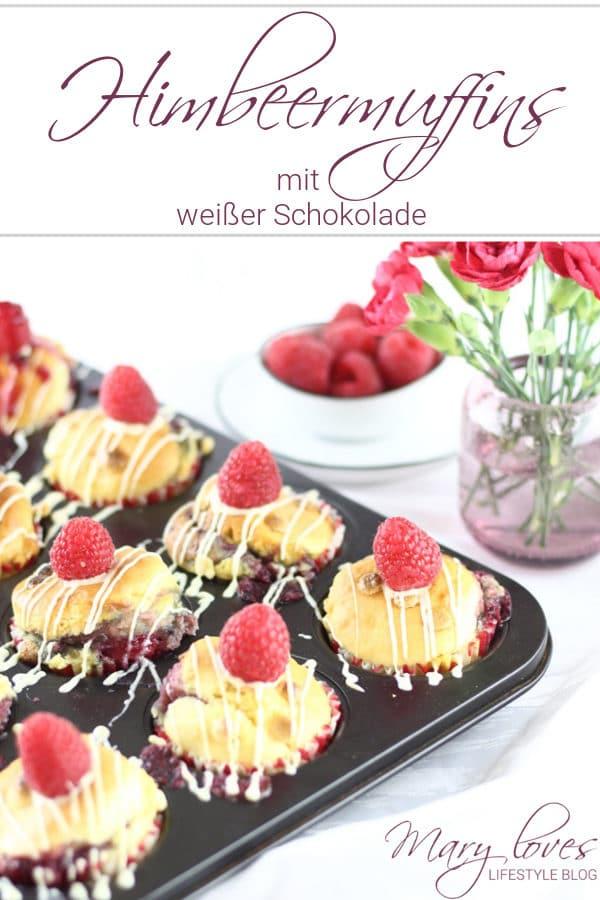 Himbeermuffins mit weißer Schokolade und fruchtiger Füllung