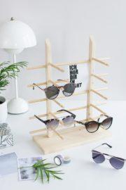 Einfaches Sonnenbrillen-Display aus Holz bauen