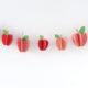 Papier-Äpfel als Geschenkverzierung und Girlande
