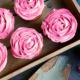 Rosen Cupcakes im Terracotta-Blumentopf