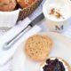 Schnelle Dinkel-Skyr-Brötchen ohne Hefe - auf dem Teller in 30 Minuten!