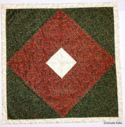 Weihnachten Patchwork Tischdecke / Mitteldecke aus Stoffresten , ca. 65 x 65 cm