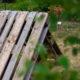 Hühner im Garten - Versteck aus Paletten bauen